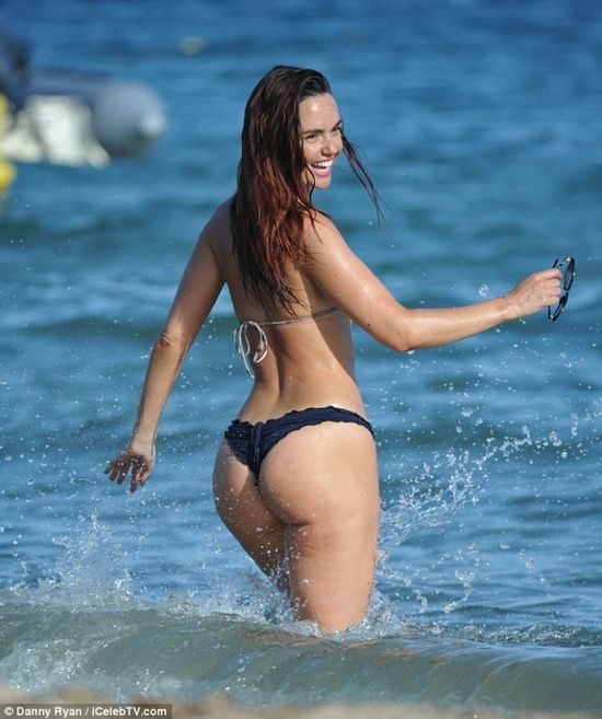 Jennifer Metcalfe the most perfect body & glutes in the UK ...