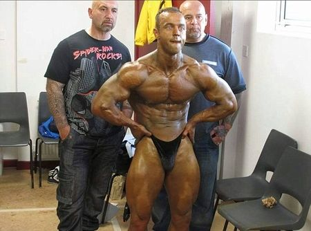how to become a bodybuilding judge