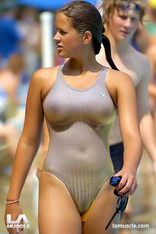 hot thick athletic body nude woman