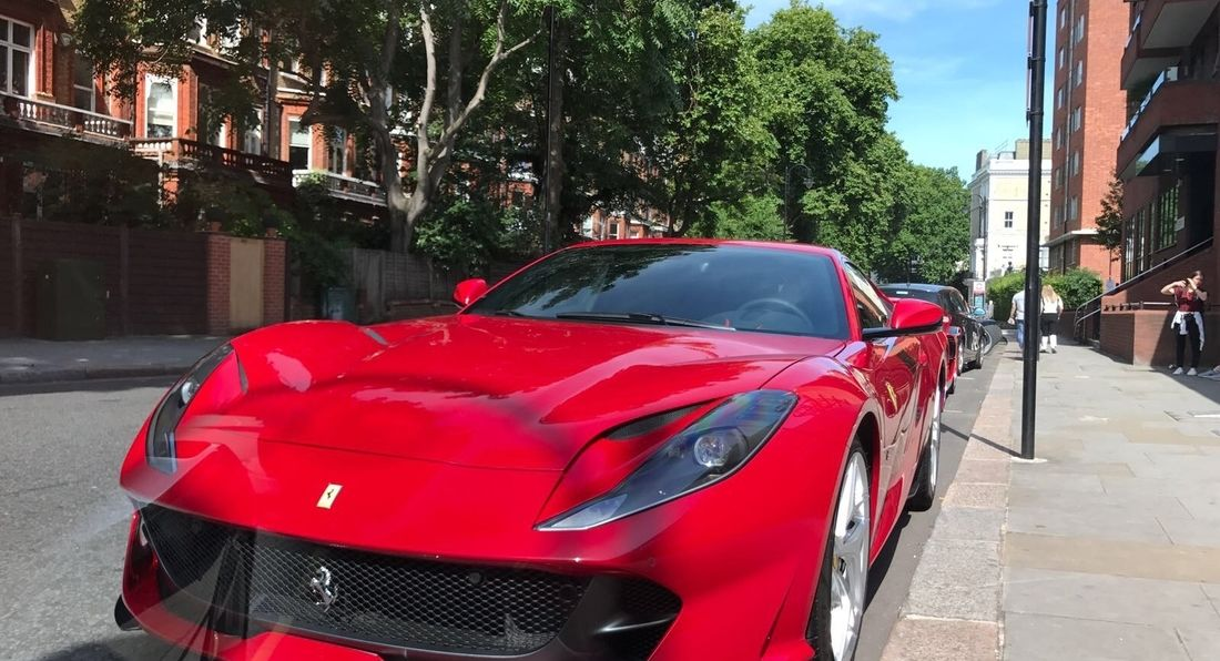 The UK's first Ferrari 812 Superfast unveiled on the streets of London!!
