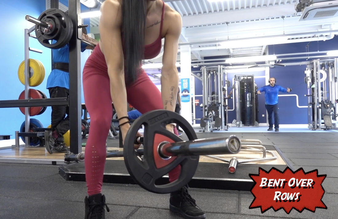 Hot Latina trains in the gym