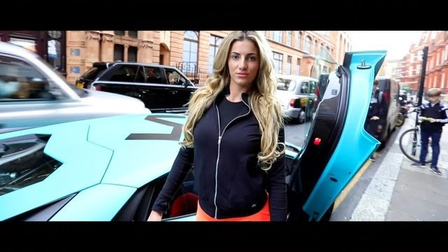Fitness girl drives into London with Lamborghini Aventador SV