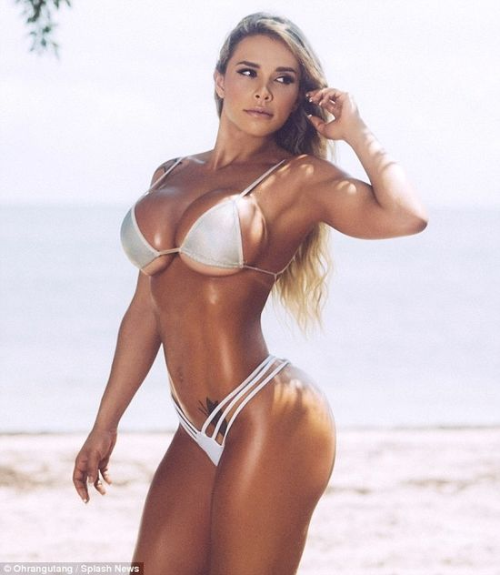 Rafaela Ravena, Fitness Model