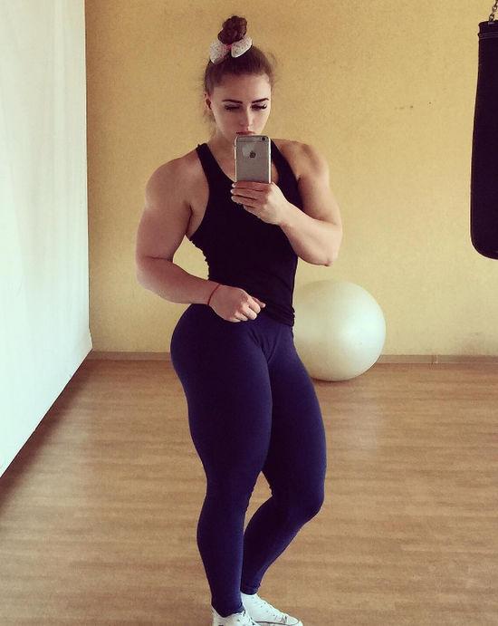 Body Julia BiaŁe: Bodybuilding BARBIE Dealifts 180kgs!!! Julia Vins And Her