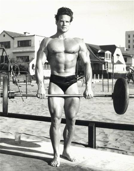 2709d2b4ed Classic forgotten photos from Muscle Beach, Venice Beach, California ...