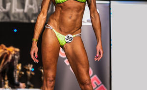 LA Muscle Athlete Yvette Geary top 3 at the UKBFF